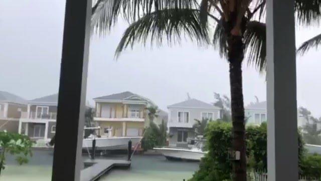Embarcaciones amarradas en  Nassau, Bahamas, ante la llegada de Dorian. /AFP