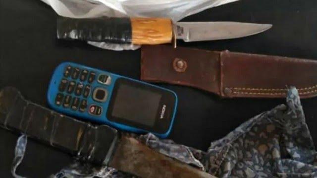 El hombre tenía dos cuchillos, 14 balines de tierra y un celular.